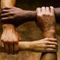 Ajudar a si mesmo ajudando ao próximo
