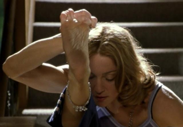 Madonna com pilates para manter a forma - blog do kaizen