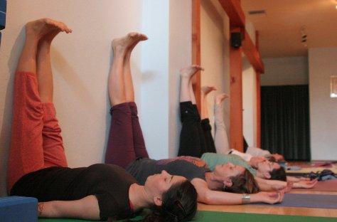 postura-yoga-dor-de-cabeca5