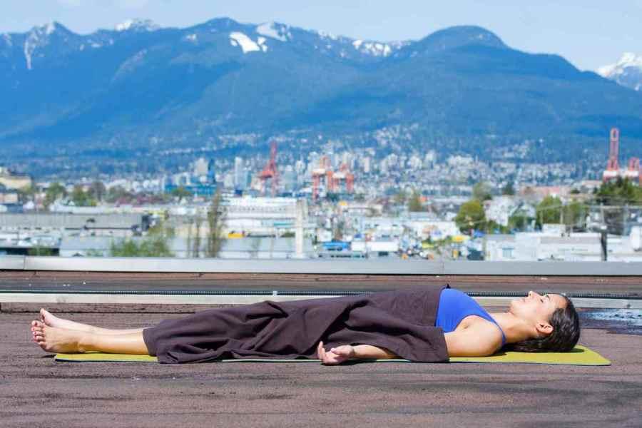 postura-yoga-dor-de-cabeca9