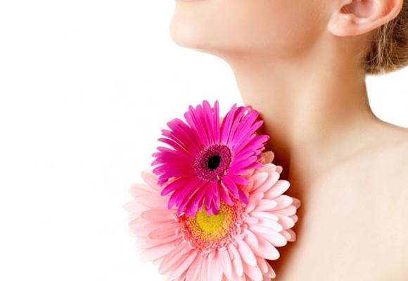 Como cuidar da pele do colo e pescoco