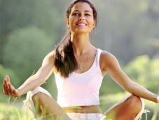 Moça meditando - Meditacao e tao eficaz quanto o uso de antidepressivos