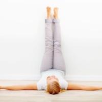 7 posturas de Yoga para dormir bem