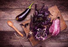 Prato colorido: aposte nos alimentos roxos para controlar o colesterol
