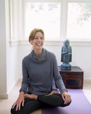 mulher meditando - Yoga
