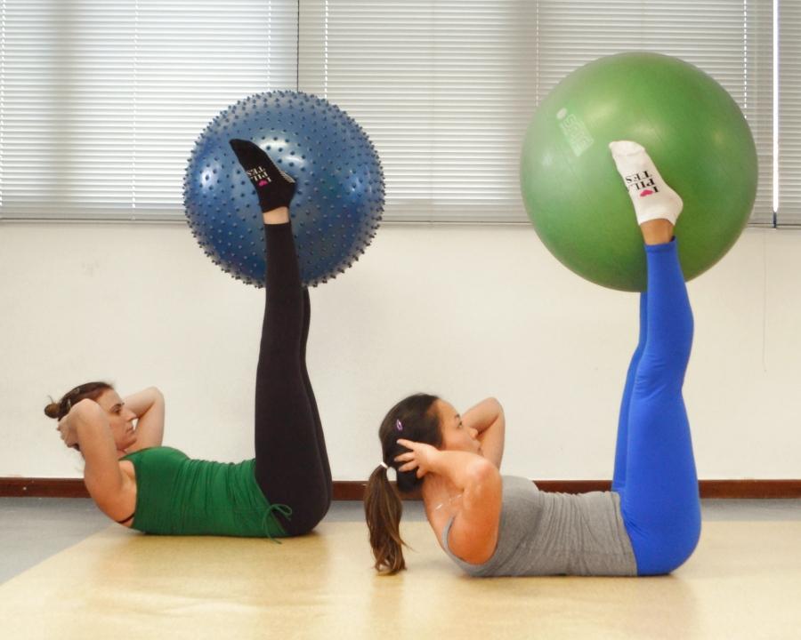 Pratique Pilates Double Straight Leg Stretch3