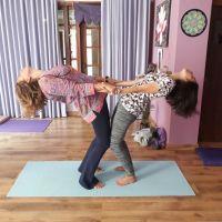 Confraternização de Yoga é celebrada com mantras, Yoga Partner e meditação no Espaço Kaizen